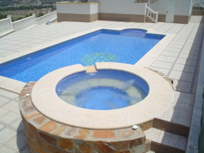 Piscinas de hormig n for Piscina hormigon armado